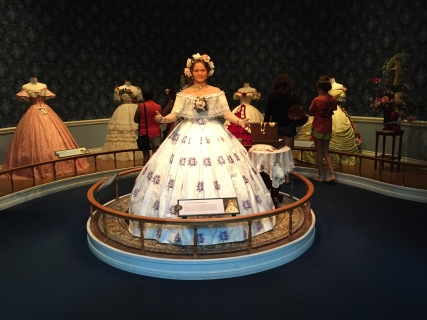 A figure of Mary Todd Lincoln in the Lincoln Museum